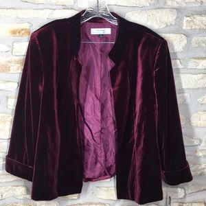 18 Tahari Velvet Burgundy Jacket Coat